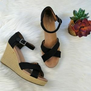 Toms Sienna Black Ankle Strap Espadrille Wedge Sz9